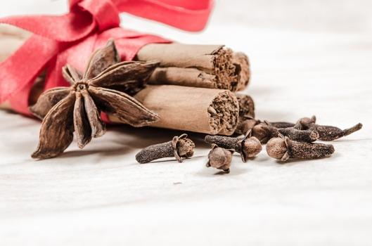 DIY Fireplace Fragrance Bombs